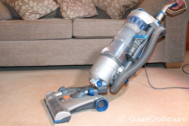 Vax Air3 Complete Vacuum Cleaner Manoeuvrability on Carpet.jpg