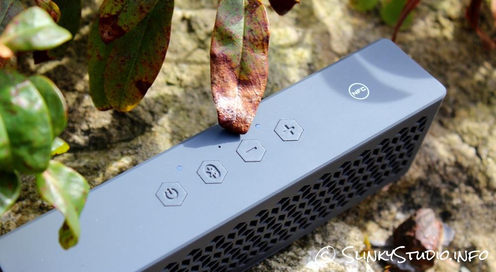Creative MUVO mini Speaker Buttons Controls.jpg