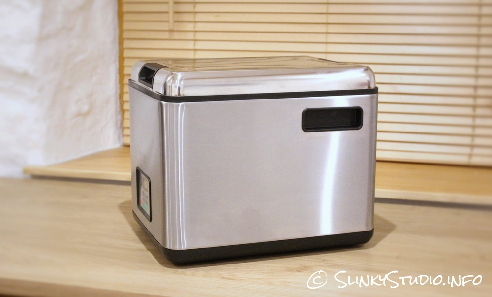 SousVide Supreme Side View