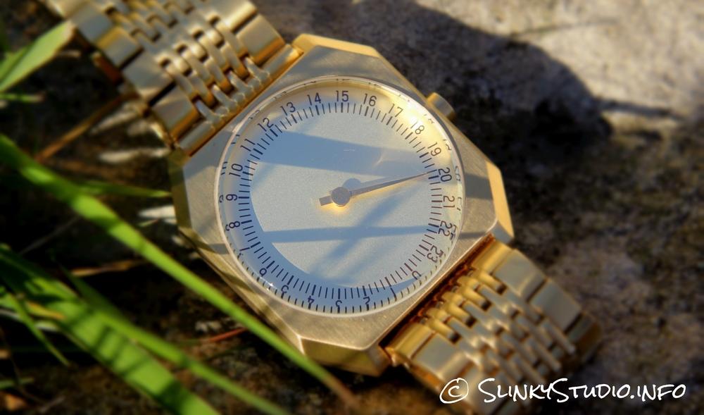 Slow Jo Watch Gold 24 hour watch face