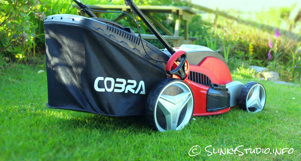 Cobra MX46S40V Cordless Lawnmower Grass Bag Side View