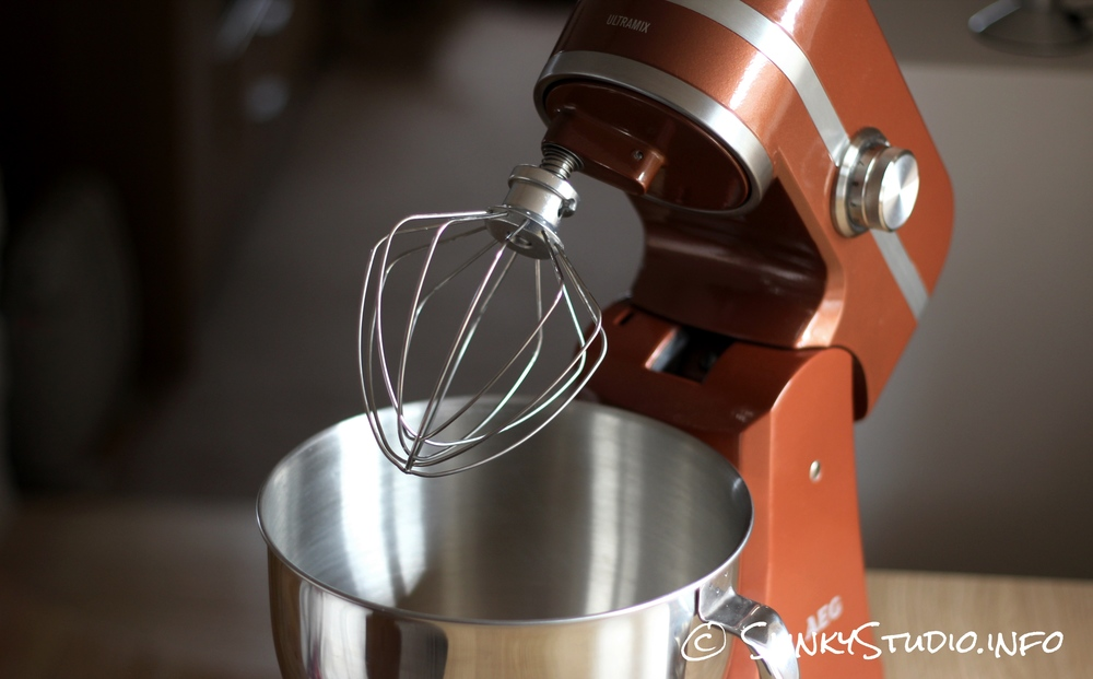 AEG UltraMix Stand Mixer Head Lifted.jpg