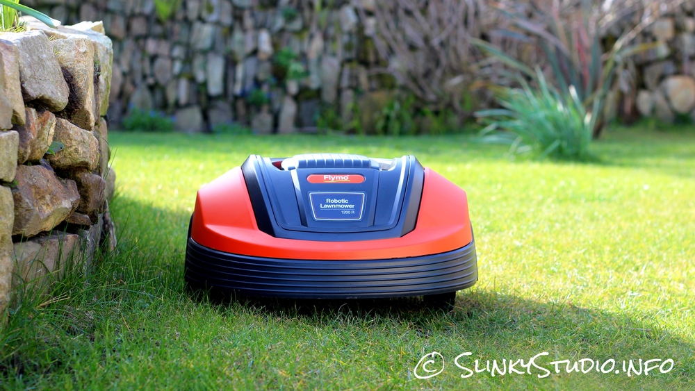 Flymo Robotic 1200R Lawnmower