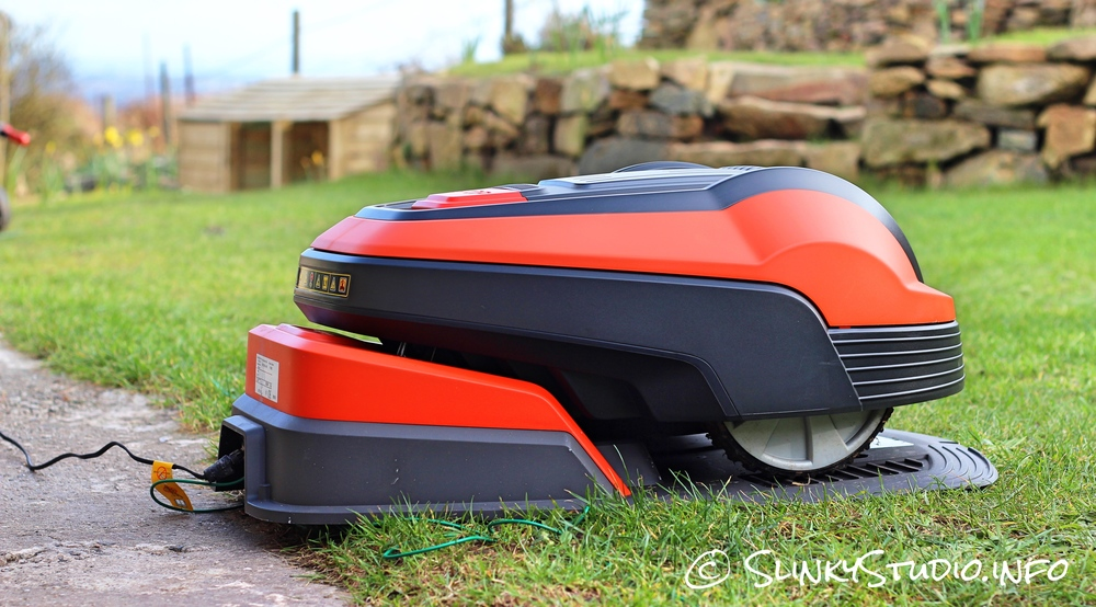 Flymo Robotic 1200R Lawnmower Docking Station