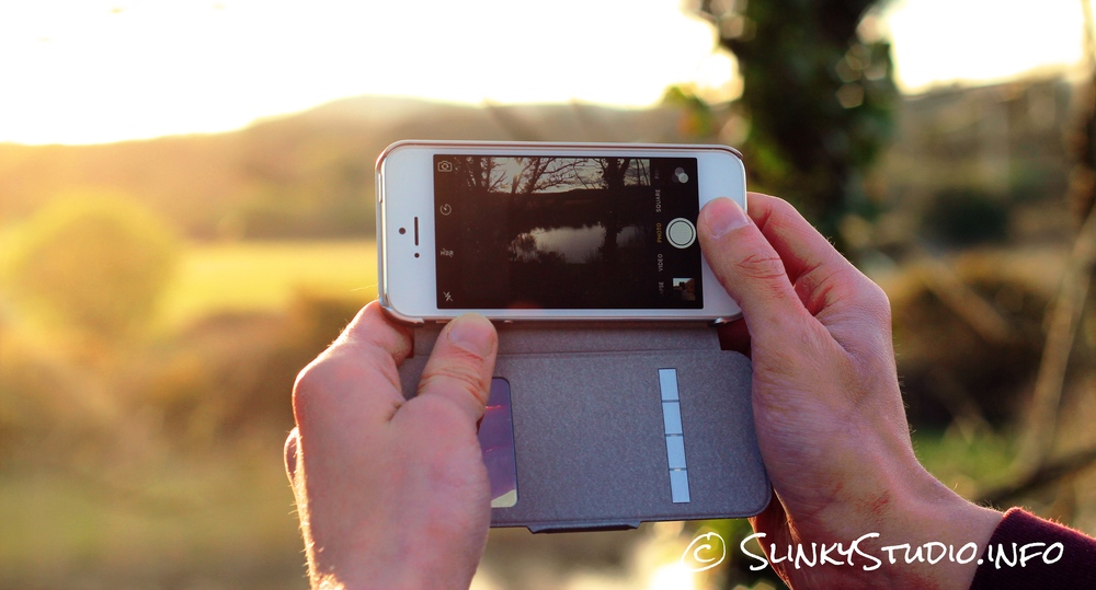 Moshi SenseCover for iPhone 5:5s:SE Taking Photo of sunny fields.jpg
