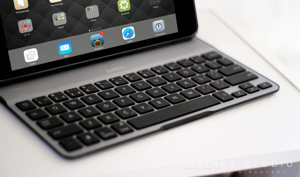 Belkin QODE Ultimate Keyboard Case for iPad Air 2 Keyboard from side view.jpg