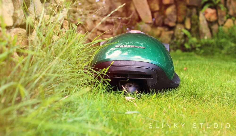 Robomow RC304 Robot Lawnmower Edge Cutting Mode.jpg