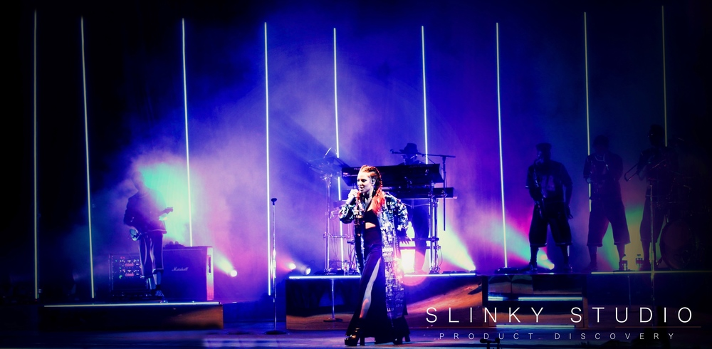 Jess Glynne - Eden Sessions Pink Lighting.jpg