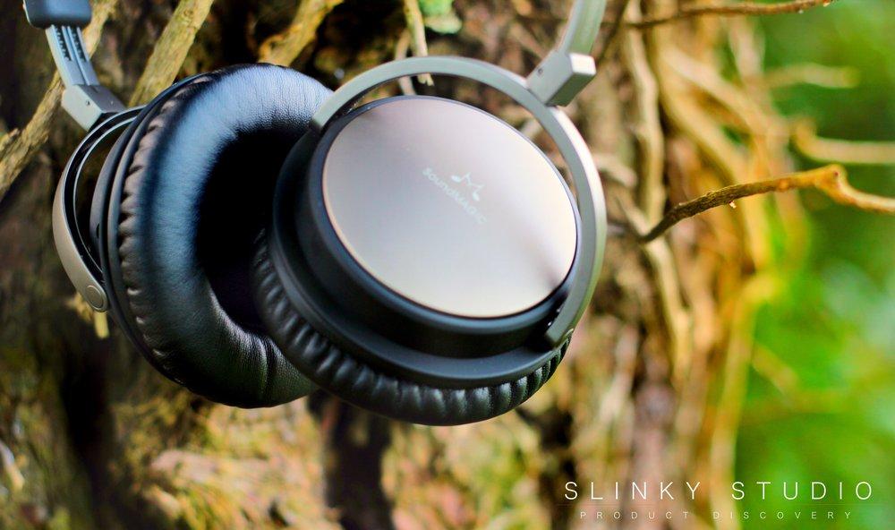 SoundMagic Vento P55 Heapdhones Creative Angle.jpg