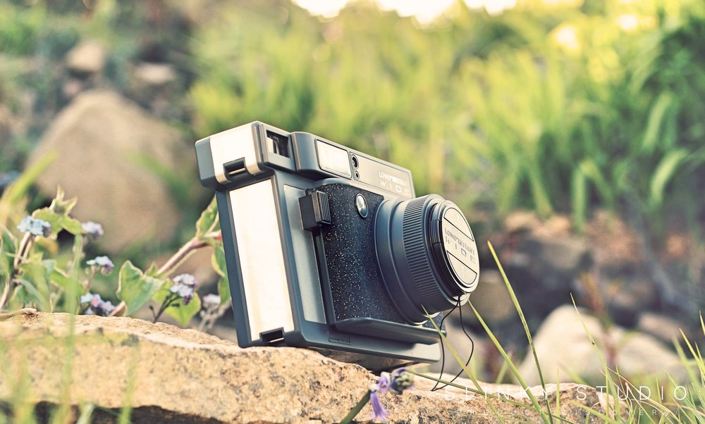 Lomography Lomo'Instant Wide Camera Side View Sunshine.jpg