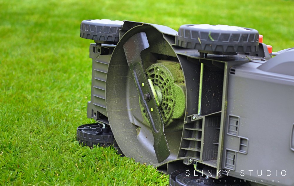 Flymo Mighti-Mo Cordless Lawnmower Cutting Blade.jpg