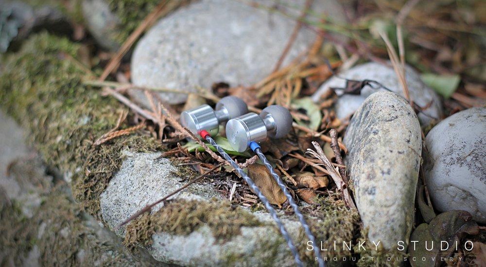 Jet 2 Earphones Closeup.jpg