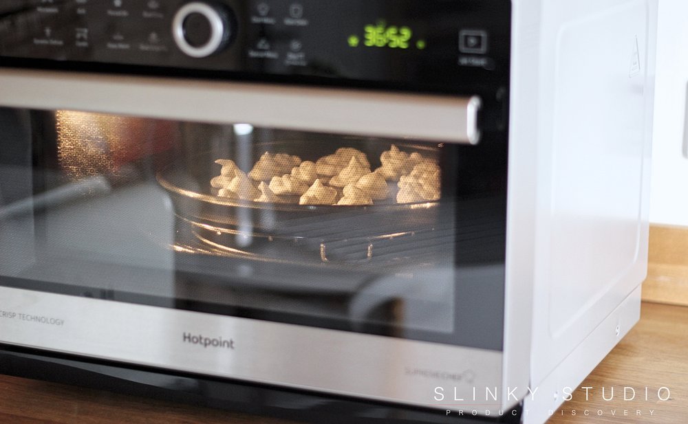 Hotpoint MWH 338 SX Supreme Chef Microwave Meringues Cooked.jpg