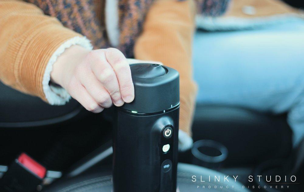 Handpresso Auto Capsule Screwing on lid.jpg