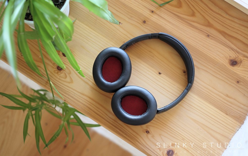 Teufel Real Blue NC Headphones Above View of Inteior Ear Cups Red.jpg