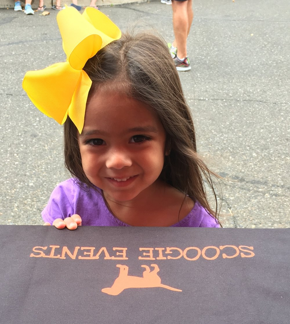 Little girl with SE table cloth at SS 18.jpg