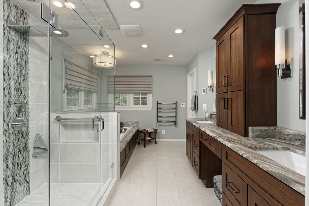 CHANTILLY MASTER BATHROOM II
