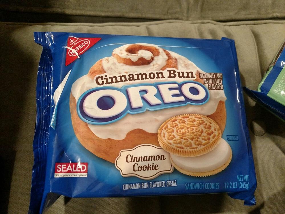 evil evil cinnamon bun Oreos.