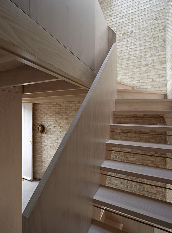011-stair-1.jpg