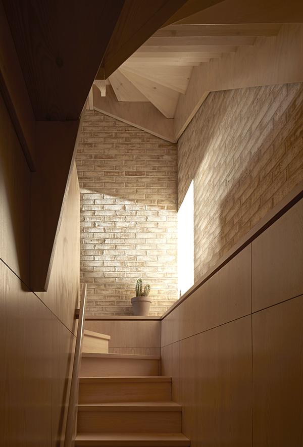 011-stair lower.jpg