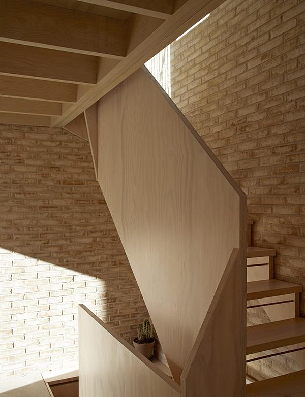 011-stair open.jpg