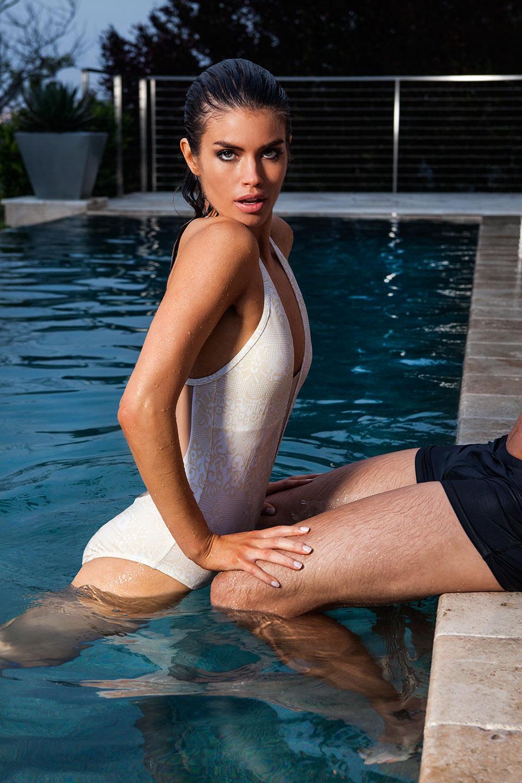 luxe_pool_2460web.jpg