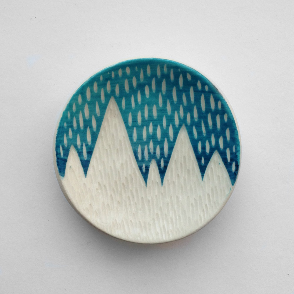 Mountain ring dish