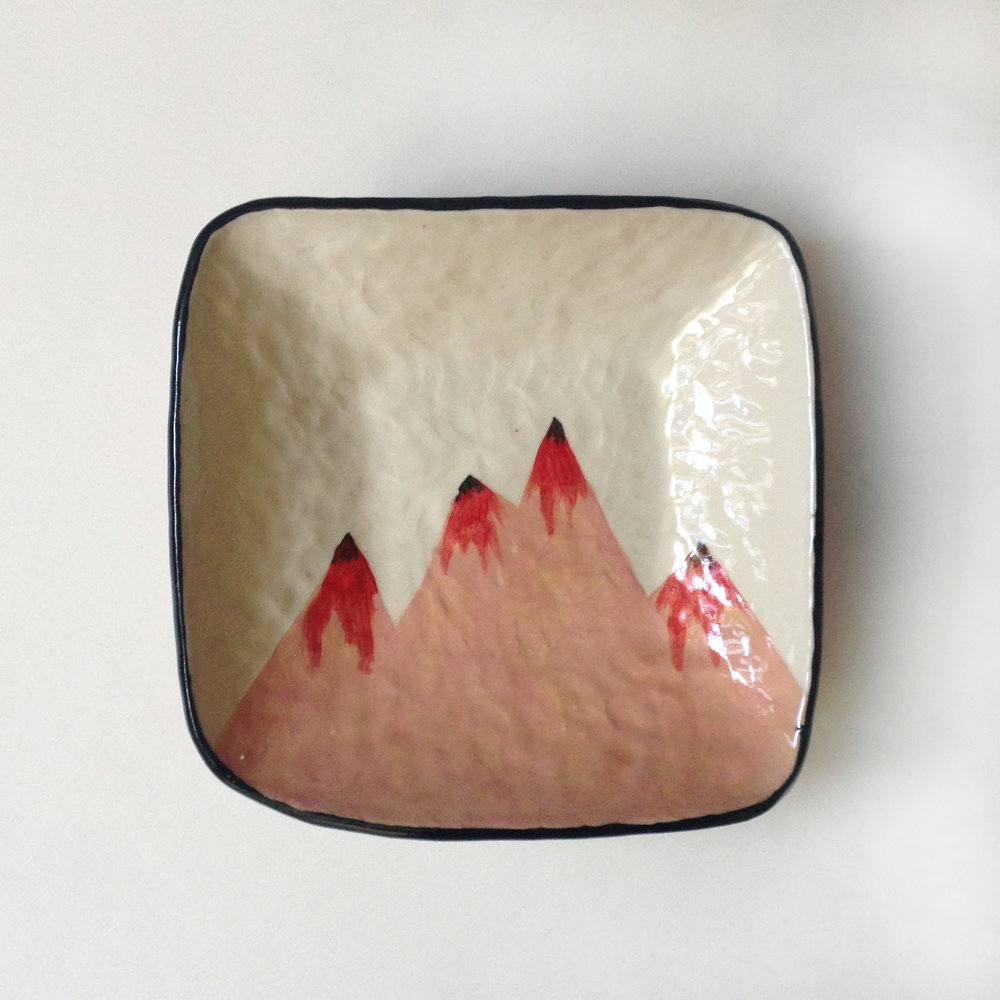 Square mountain dish