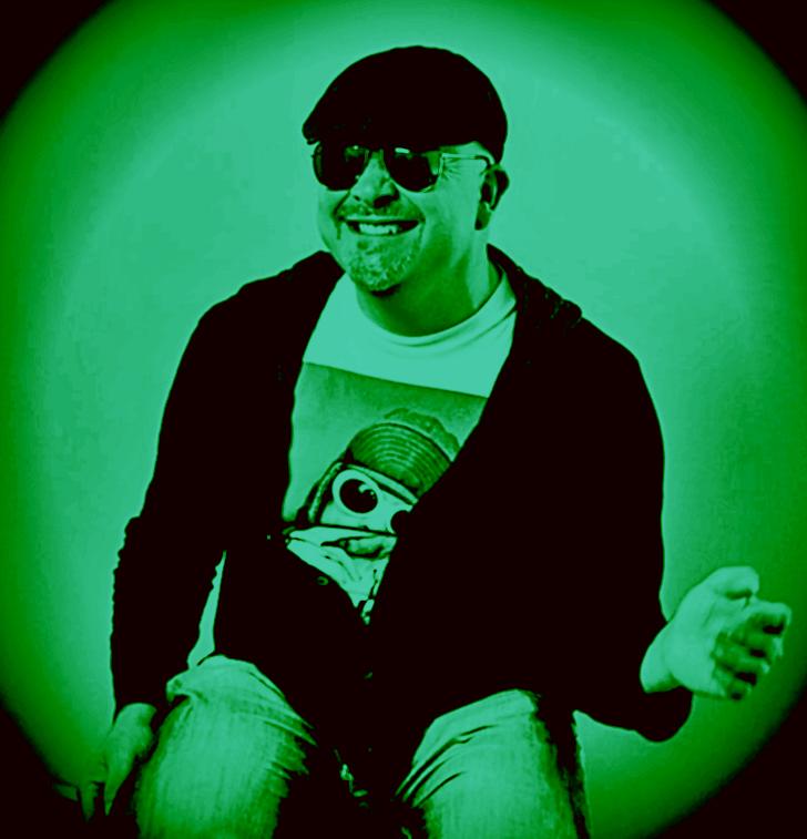 Circular Green Eddie.jpg