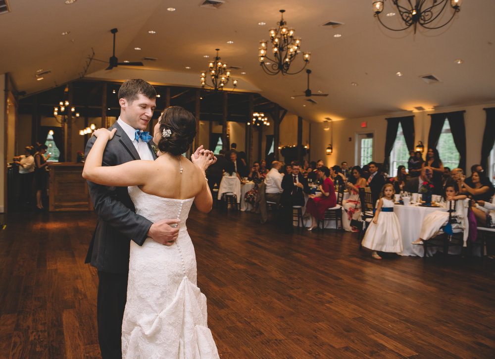 Bride and Groom First Dance in Virginia Stevenson Ridge