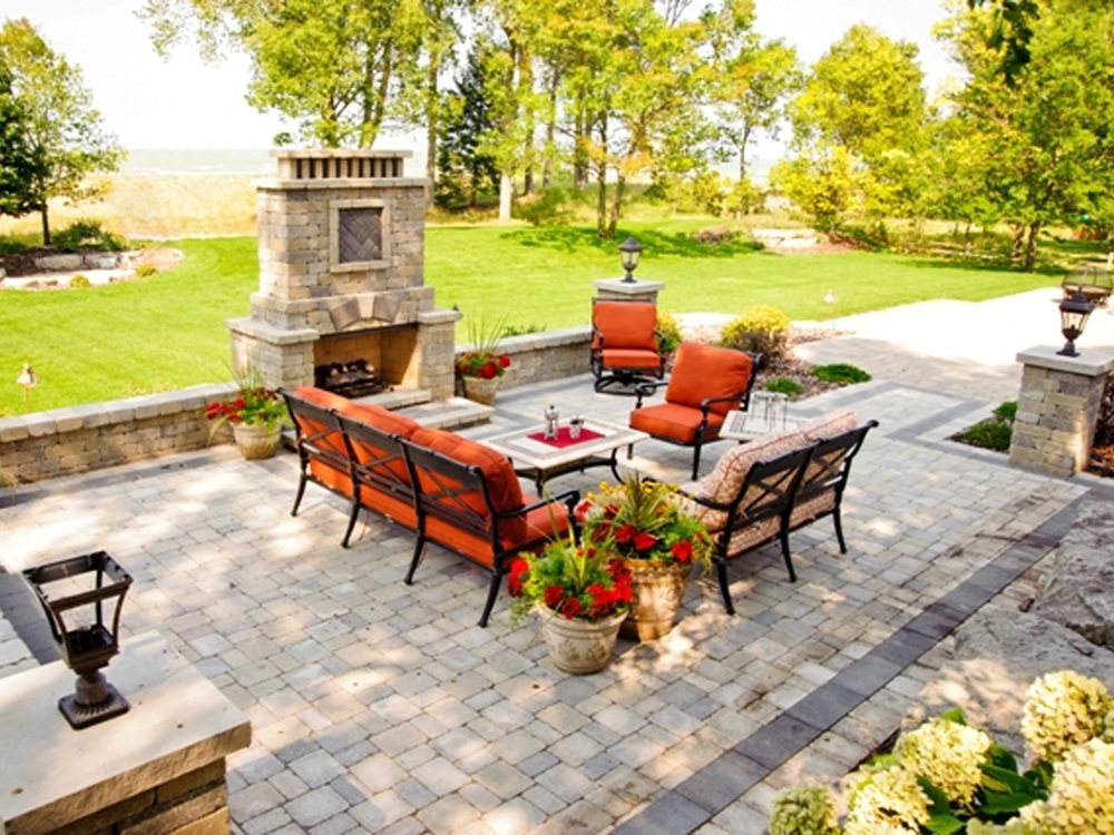 Outdoor living space 3.JPG