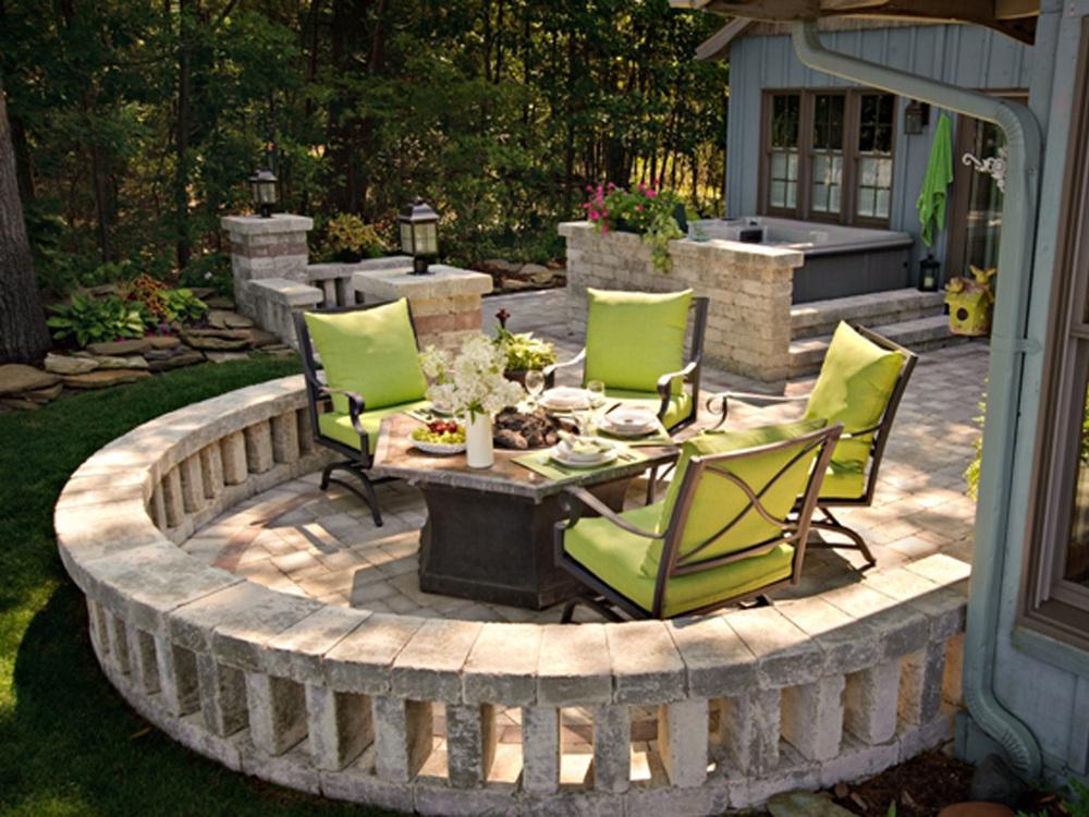 Mayes latest patio.JPG