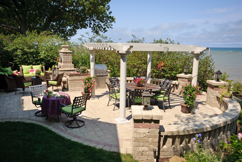 Pergola with a View - Outdoor Dining and Entertaining Area