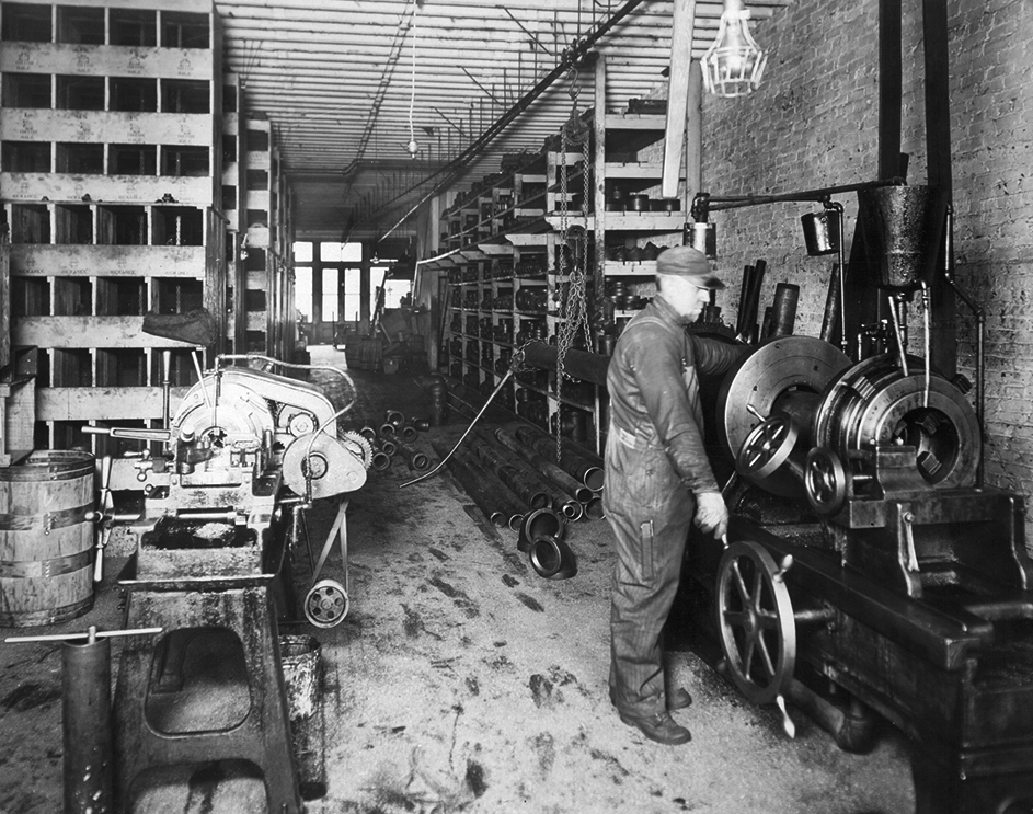 lacrosse_historic_photo_pipe_fabrication_first_supply_downtown_wisconsin_gerhards.jpg