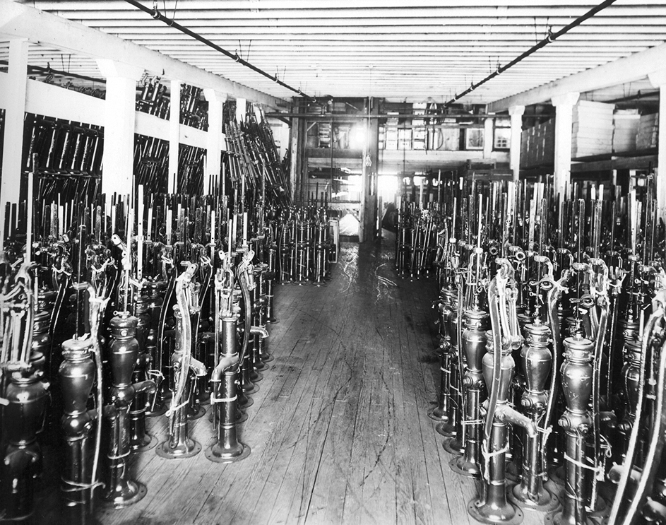 lacrosse_historic_plumbing_photo_well_pump_first_supply_gerhards.jpg