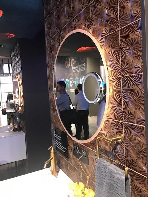2019-02 Kohler Veil Lighted Display (3).jpg