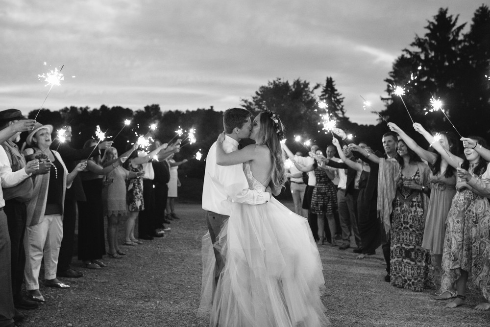 mariah fisher photography lingrow farm sparkler exit.jpg