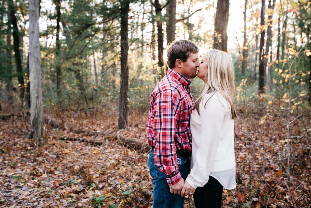 Linn Run Ligonier PA engagement photos in the fall