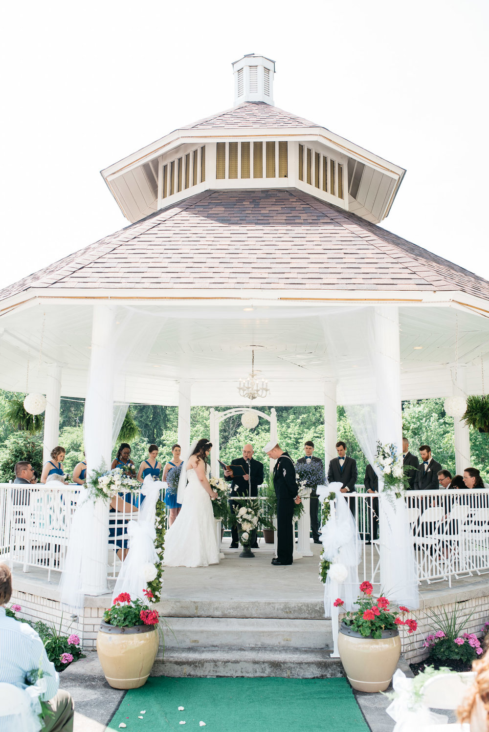 ferrantes lakeview wedding ceremony.jpg