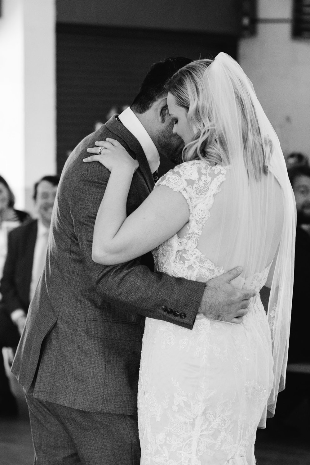 <alt> Pittsburgh Wedding Photographer, first dance, Riverview Park Wedding <:alt>.jpg