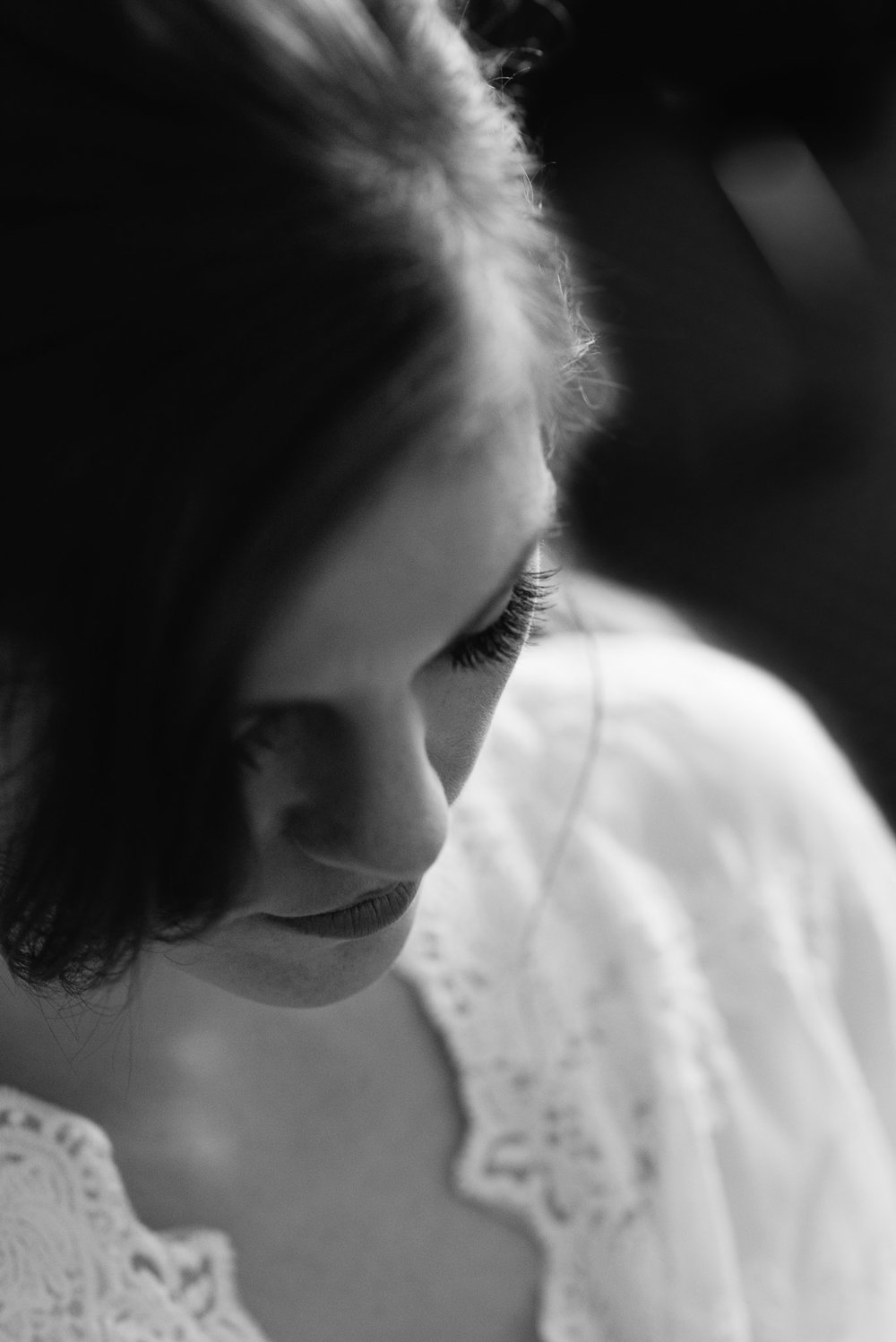 bride getting ready Mariah Fisher Photography Pittsburgh Wedding Photographer.jpg