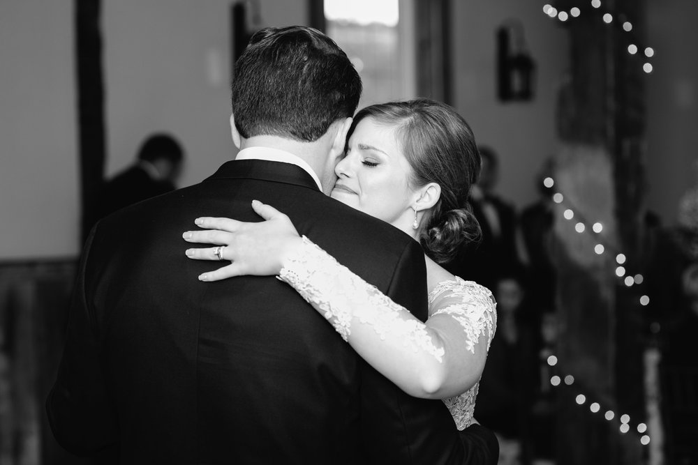 the barn at ligonier first dance mariah fisher ligonier photographer.jpg