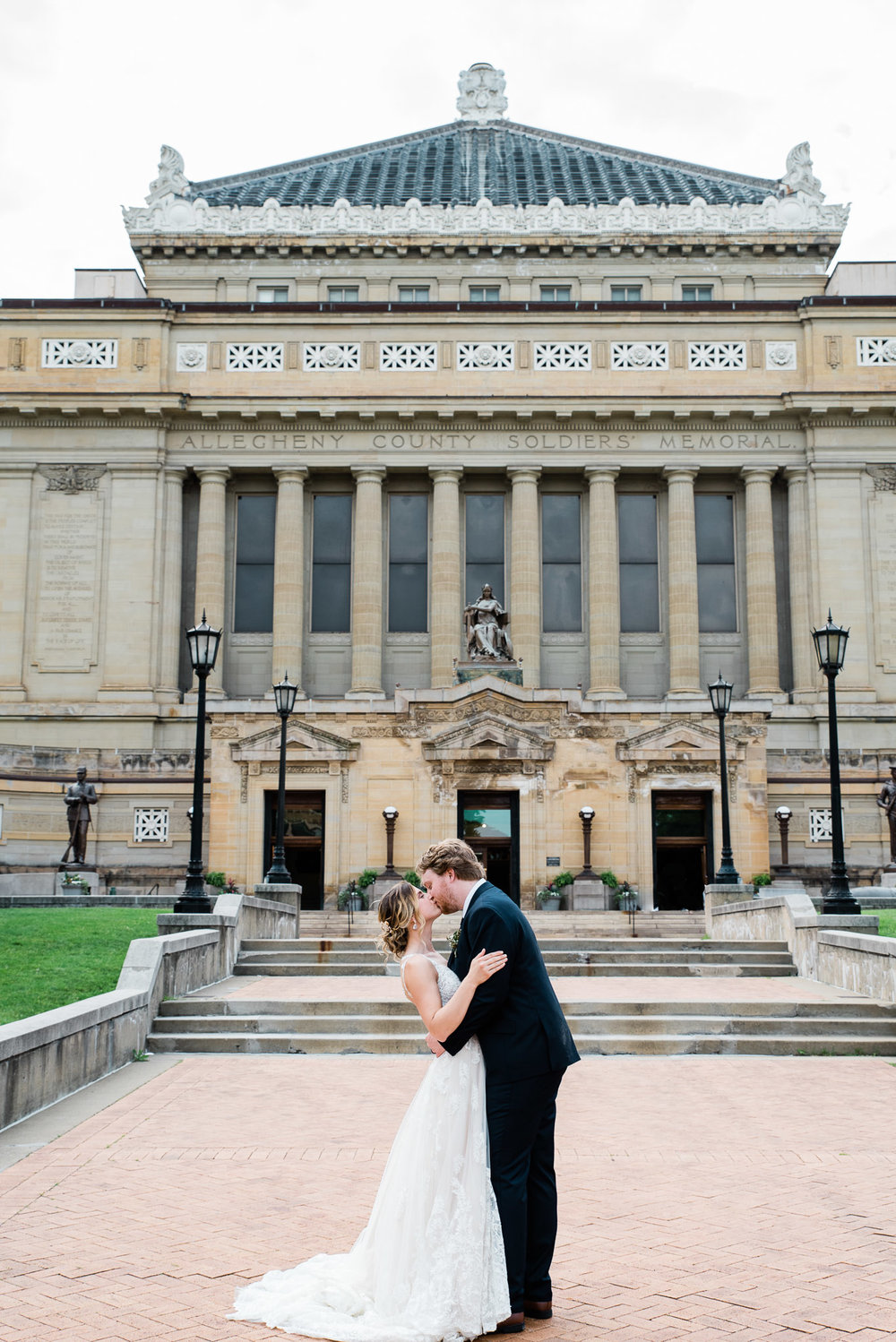 soldiers and sailors museum wedding venue pittsburgh wedding photographer-0725.jpg