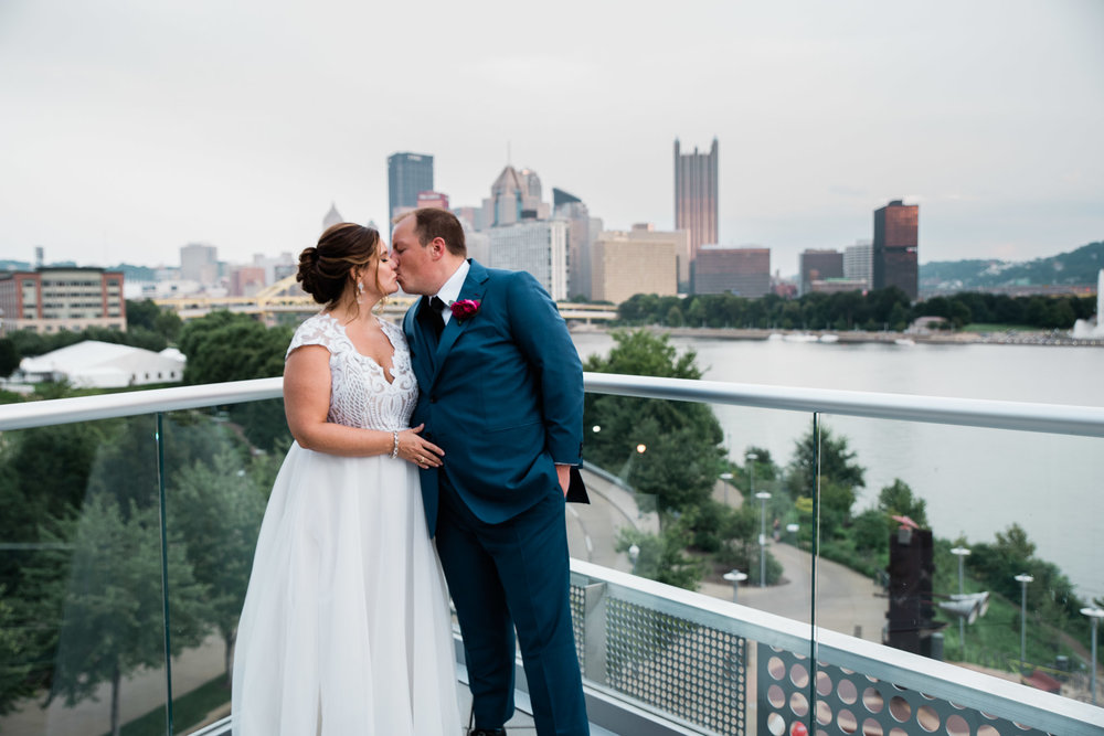 Pittsburgh Wedding Photographer, Carnegie Science Center, Pointview Hall, Mariah Fisher-1521.jpg