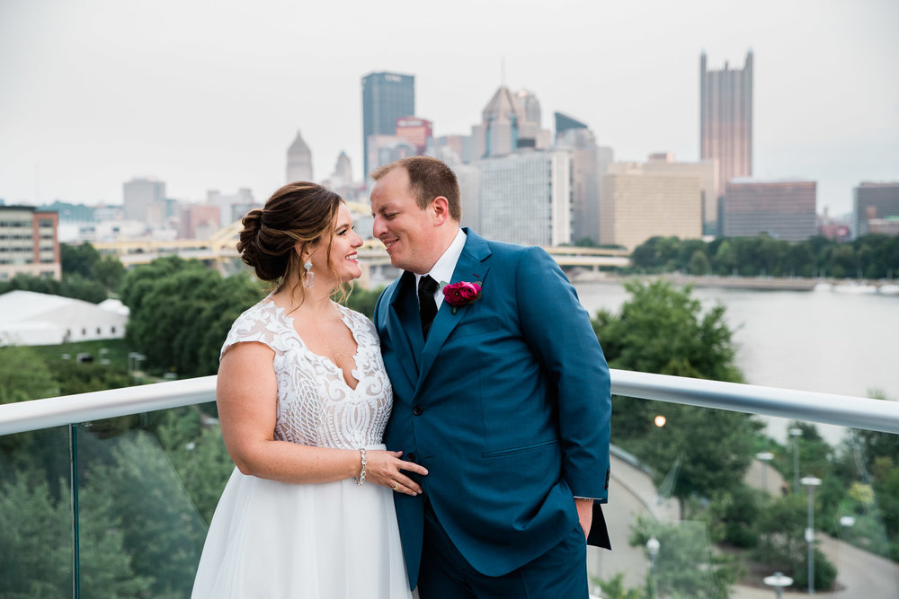 Pittsburgh Wedding Photographer, Carnegie Science Center, Pointview Hall, Mariah Fisher-1526.jpg