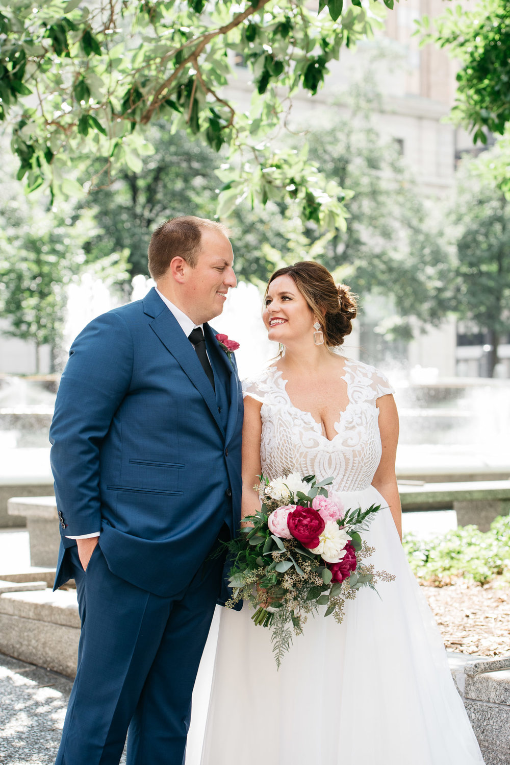 Pittsburgh Wedding Photographer, downtown Pittsburgh wedding, Carnegie Science Center, Pointview Hall, Mariah Fisher-6188.jpg