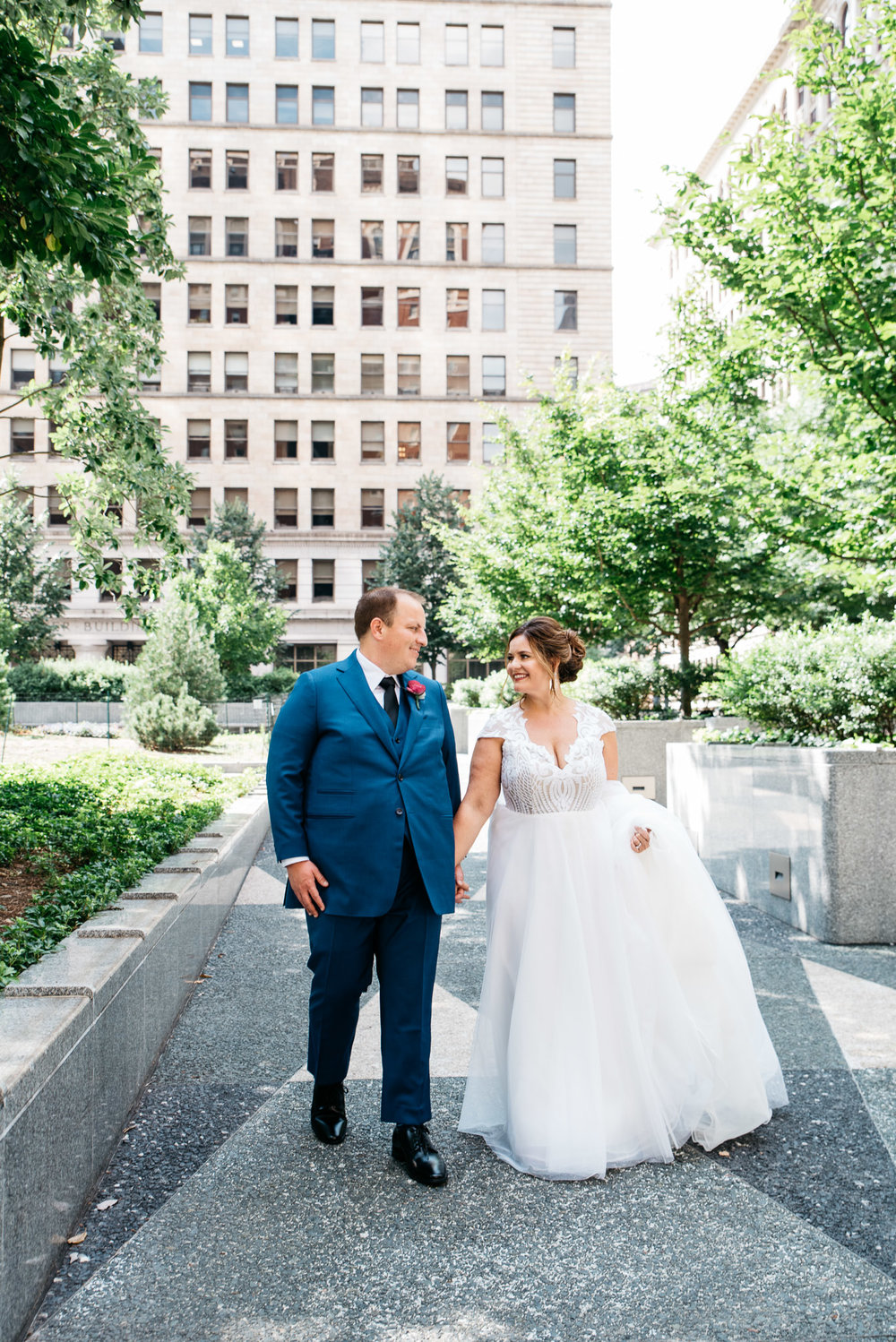 Pittsburgh Wedding Photographer, downtown Pittsburgh wedding, Carnegie Science Center, Pointview Hall, Mariah Fisher-0861.jpg