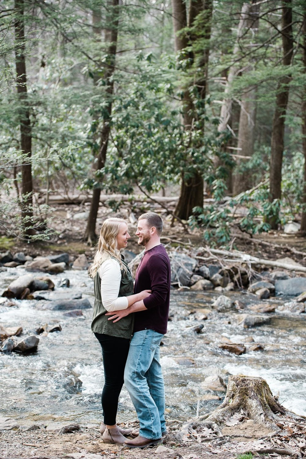Pittsburgh engagement photographer, Ligonier Engagement Session, Engagement photography, Mariah Fisher (1 of 4).jpg