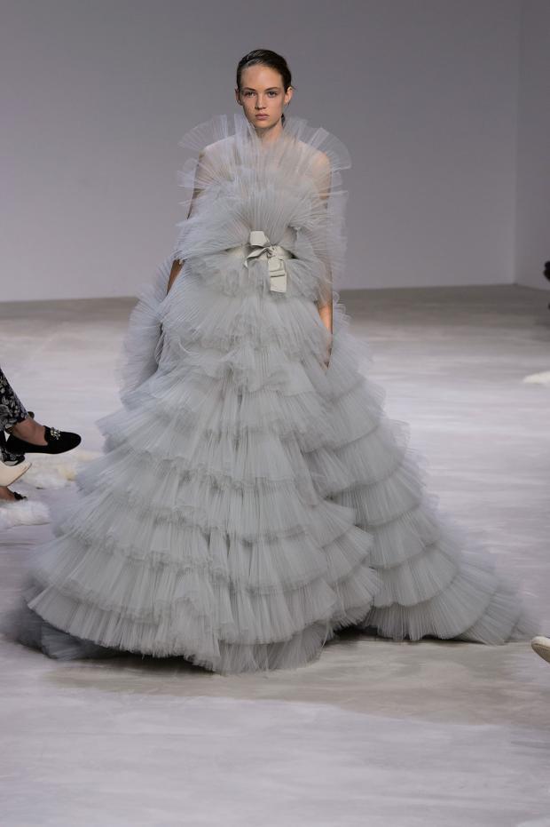 giambattista-valli-haute-couture-spring-2016-pfw43.jpg