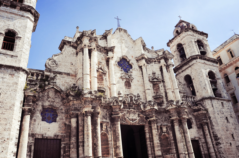 Plaza Vieja with church.jpg